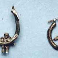 These earrings were found in a grave with #JaneDoe!  Do they look familiar?  Valencia, #CALIFORNIA 1995